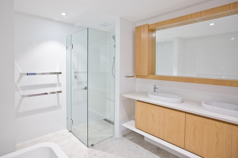 10mm-Clear-Frameless-Enclosure